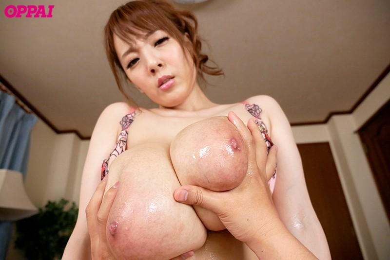 [PPPD-805] While My Big Brother Was Away For 6 Days, I Got Fucked By My Big Sister-In-Law With Those Colossal Tits Hitomi