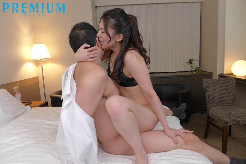 PRED-133 <The Last Day Of Our Business Trip> Sharing A Room With My Female Boss. I Was Made To Give Her Multiple Creampies As She Whispered Dirty Words In My Ear And Rode Me All Night. Aika Yamagishi