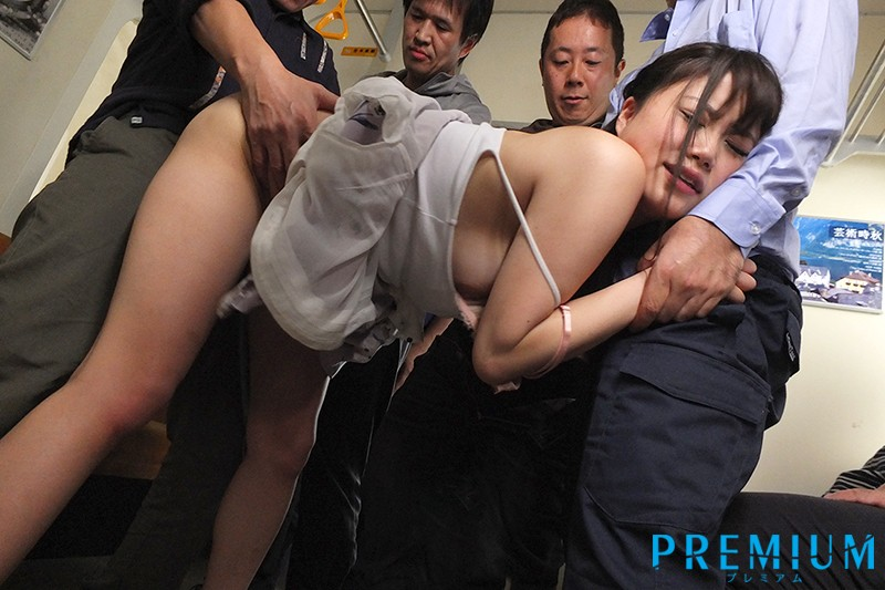 PRED-135 A College Girl Reporter Who Was Victimized By A Molester