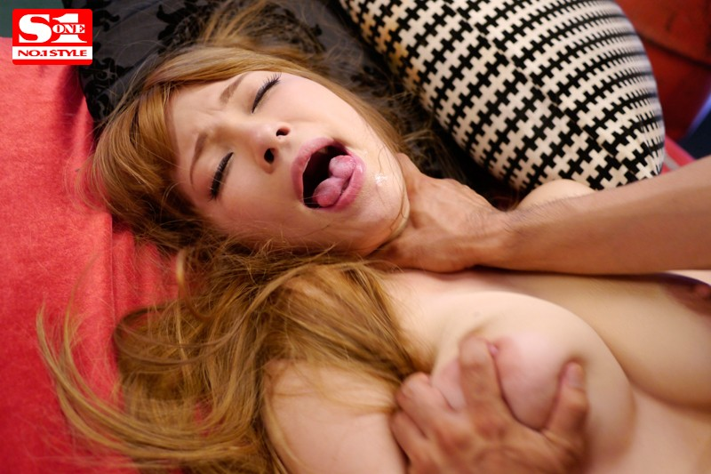 [SNIS-259] Tia Screams When She Cums