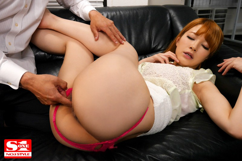 SNIS-497 She Feels Insecure Knowing That Everyone Is Looking At Her Big Ass Tia