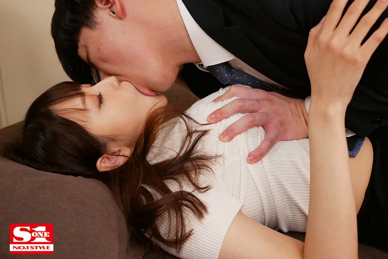 SSIS-050 The Boss Was Gone On A Business Trip, So I Fucked His J-Cup Wife For Three Days Straight. Rara Anzai