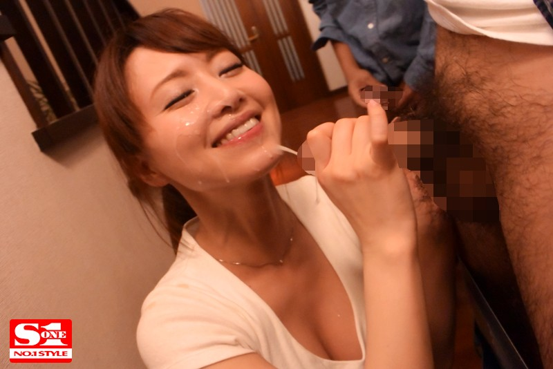 SSNI-020 She Married Into A Family With Her Husband And His 7 K*ds! This Amazing Beautiful Married Woman Is Managing The Ejaculations Of This Big Orgasmic All-Male Family Akiho Yoshizawa