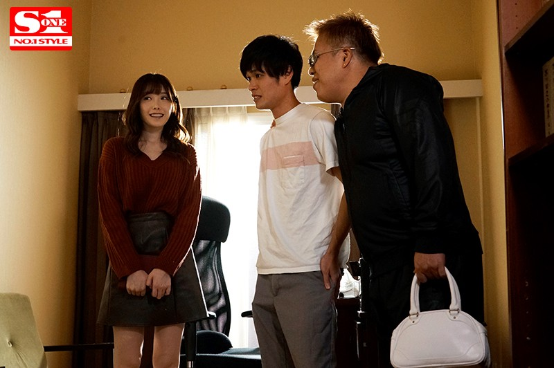 [SSNI-706] A Delicate, Fair-Skinned Girl Cheats On Her Boyfriend With Two Guys From Her School - Arina Hashimoto