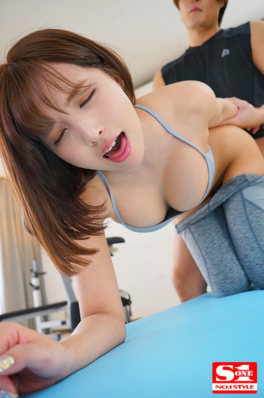 [SSNI-780] She's Unwittingly Luring Men To Temptation With Her Clothed Big Tits A Super Lucky Horny Daydream Fantasy Situation Special - Yua Mikami