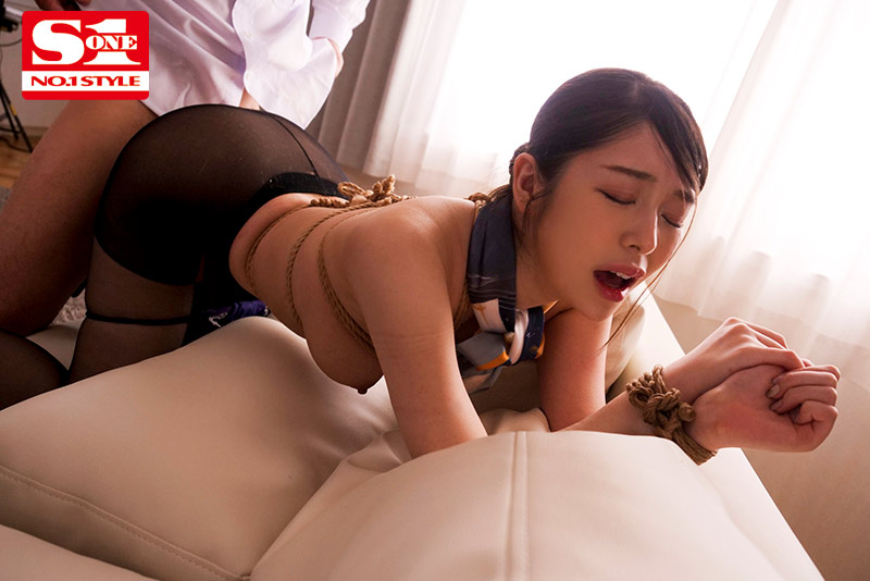 SSNI-922 Studio S1 NO.1 STYLE - All S&M - Slender Beautiful Stewardess Broken In And Ravished Amin N