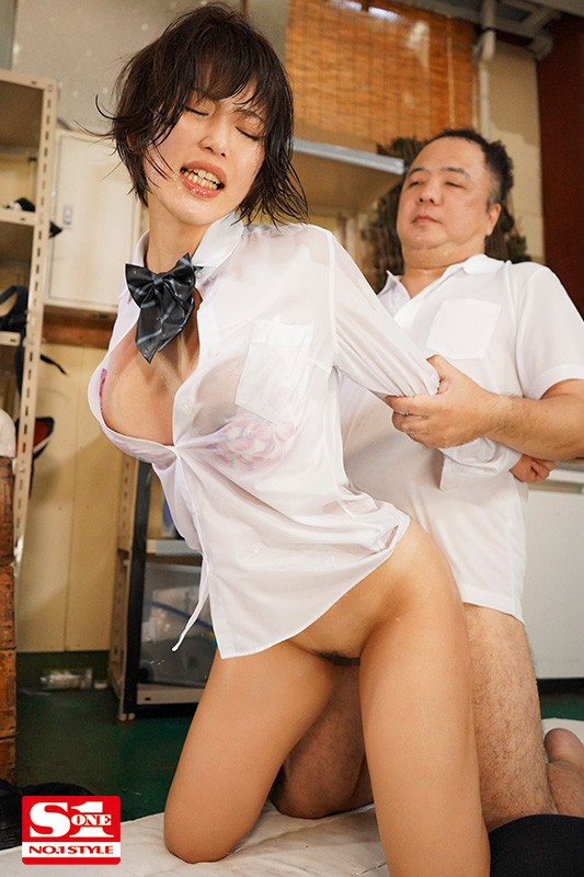 [SSNI-958] Stuck At School Overnight With The Teacher I Hate Because Of A Storm... It's Just The Two Of Us And My Clothes Are Soaked - The Gross Old Perv Can See Everything - But There Was Nowhere Else To Go, So He Wound Up Fucking Me Until I Came Rena Kodama