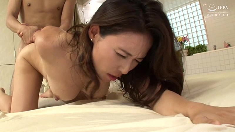 VAGU-202 Incestuous Creampie Sex At The Soapland. My First Time In A Massage Parlor That Specializes In Mature Women
