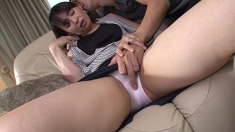 VEC-234 studio Venus - Married And The Mother Of The Second Marriage Of My Best Friend Mother Yumi A big image 3