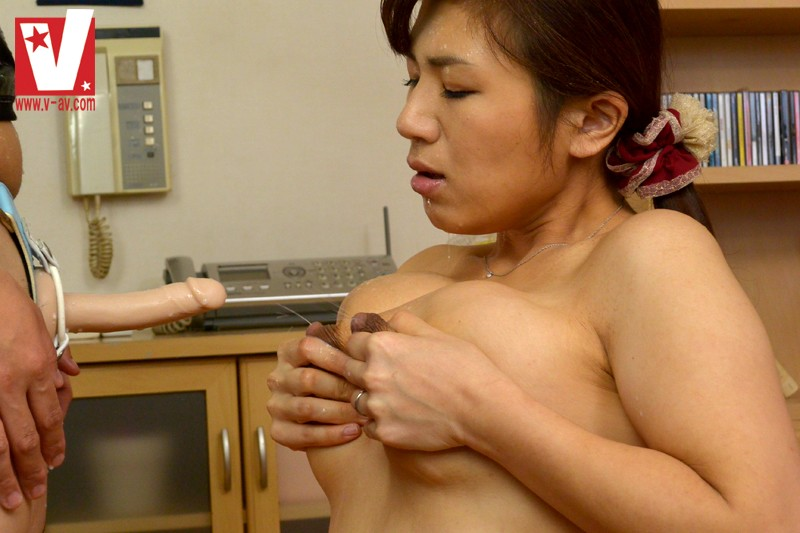 Risa goes nasty in amazing show 6